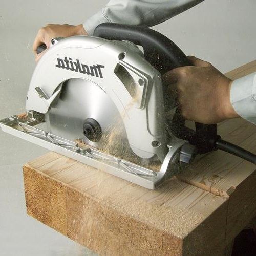 cutting with the Makita 5104